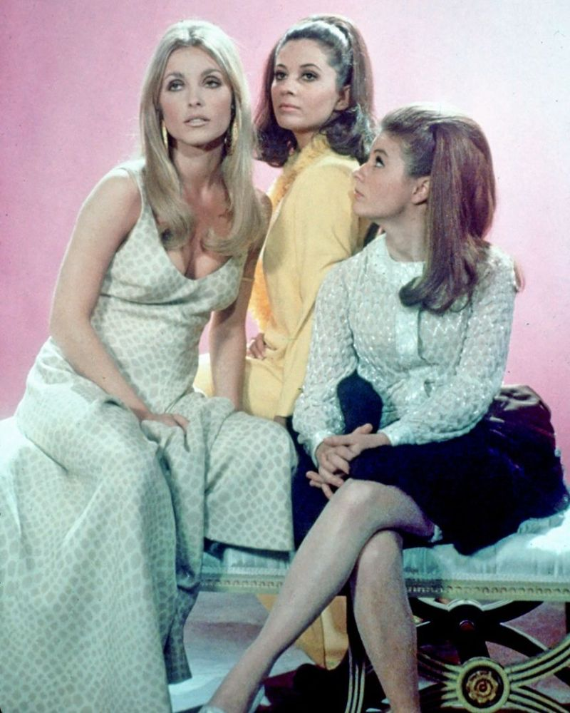 Book vs. film: Valley of the Dolls (3/4)