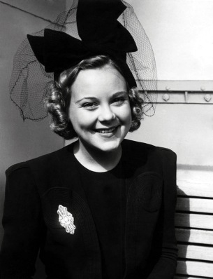 Sonja Henie, after a successful skating career, became one of Hollywood's highest-paid actresses and comissioned Paul Williams to build her Hollywood home. (Image: Doctor Macro)