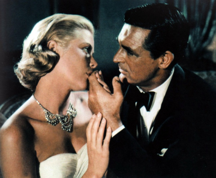 Ultra-tan Cary Grant woos Grace Kelly in To Catch a Thief (Image: We Heart Vintage)