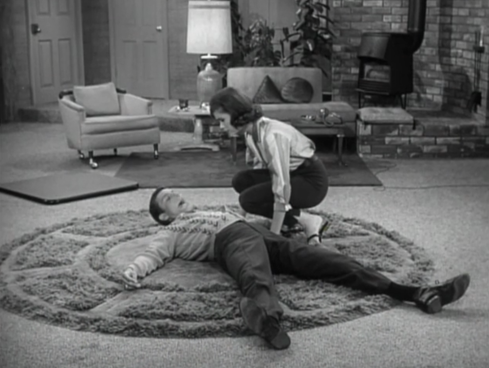 Exceptional Laura Finds Rob Lying Flat On The Floor After He Stumbles Over One Of  Ritchieu0027s Toys
