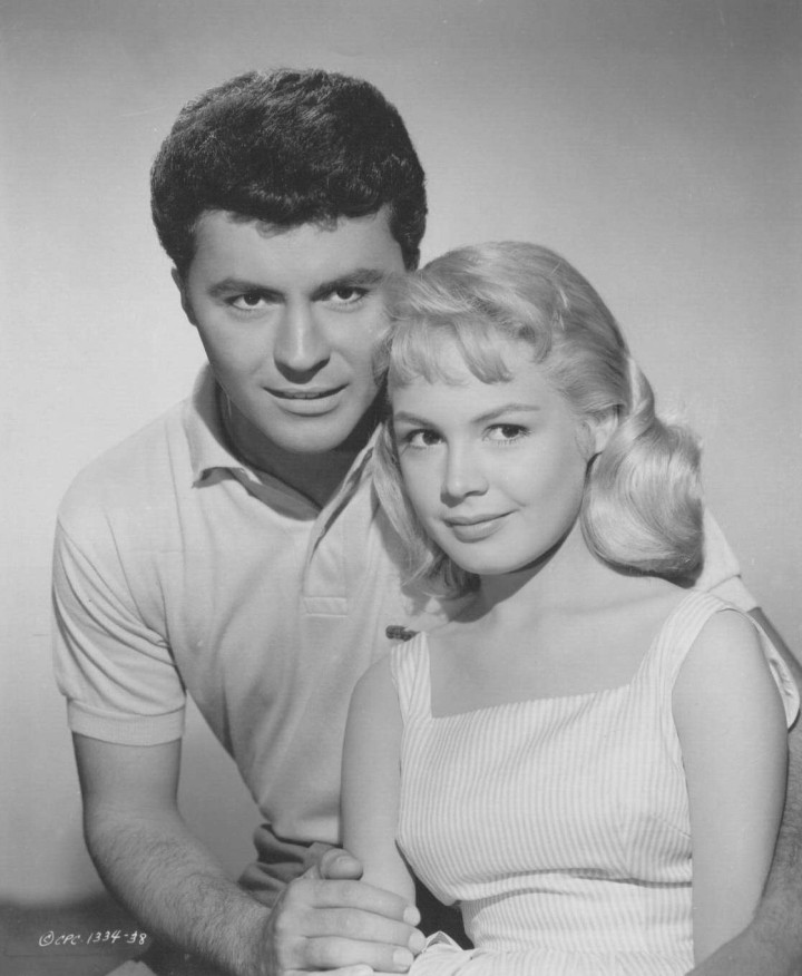 James Darren and Sandra Dee in a publicity still for Gidget (Image: Fanpop)