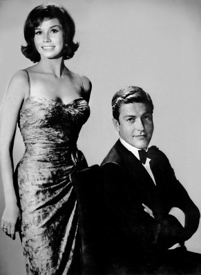 Mary Tyler Moore and Dick Van Dyke as Laura and Rob Petrie (Image: Flickr)