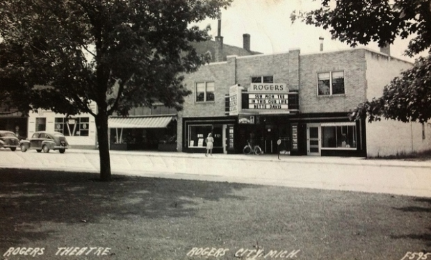 The Rogers City Theater in 1942, via cinematreasures.org