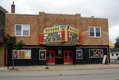 The Rogers City Theater in 2010, via waterwinterwonderland.com