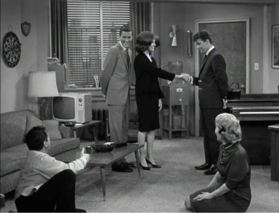 Laura comes to Rob's office just to meet Rattigan (Screen capture by Lindsey for TMP)