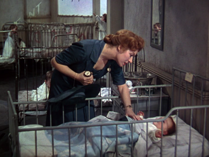 Greer Garson as Edna (Screen capture by Lindsey for TMP)