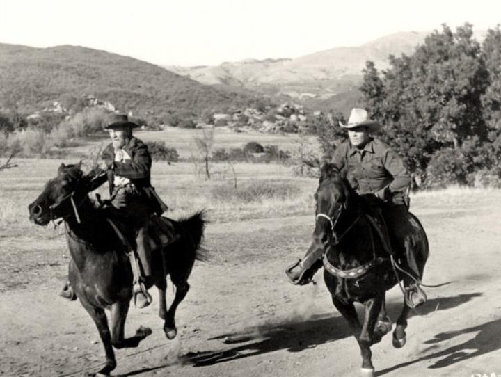 (Image via A Drifting Cowboy)