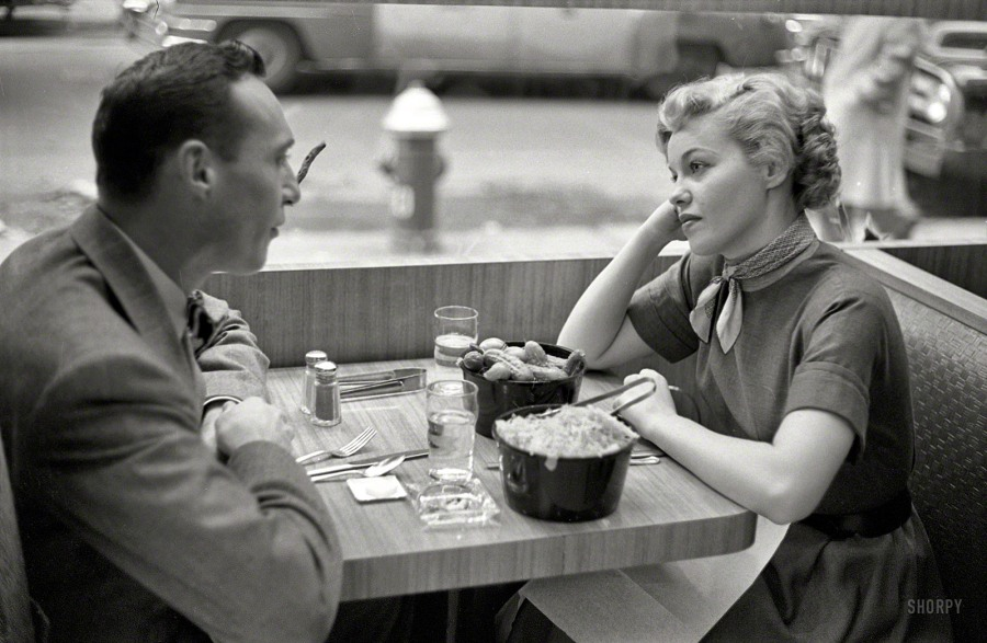 Jaye P. Morgan dines with a friend in 1954. I hope she let her friend order those dills and kraut! (Image via Shorpy)