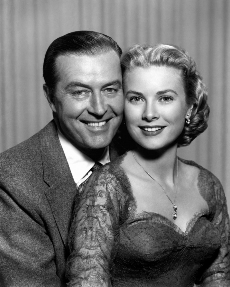 Grace and Ray Milland in a promotional shot for Dial M for Murder (Image via toutlecine.com)