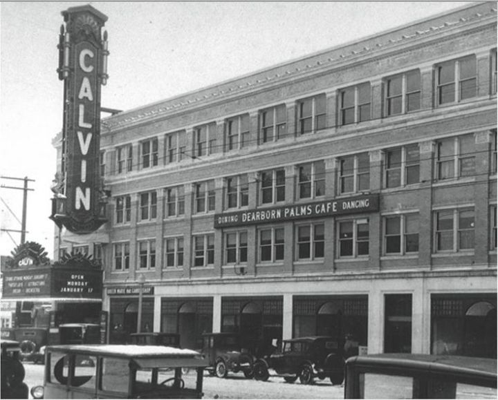 The Calvin Theater in the late '20s (Image via Debbie Smith on Pinterest)
