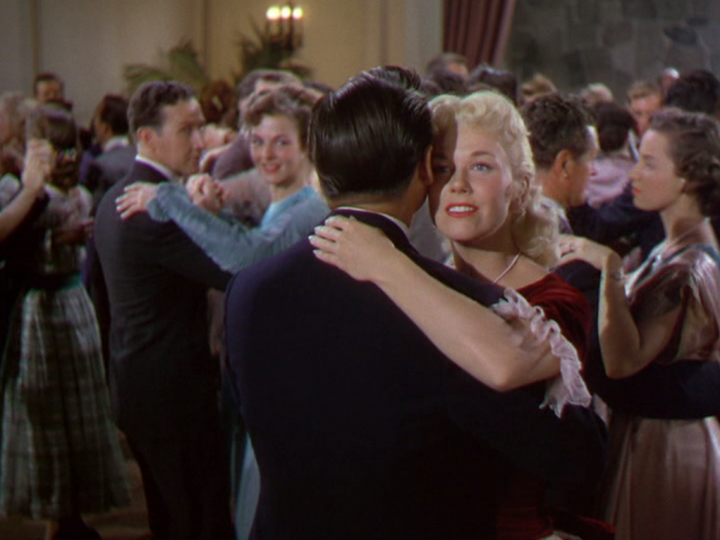 Doris Day shines By the Light of the Silvery Moon (Screen capture by Lindsey for TMP)