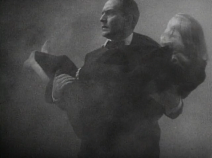 Wally saves Jennifer from the fire set by her father. (Screen capture by Lindsey for TMP)