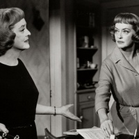 Second looks: Bette Davis in 'Dead Ringer'