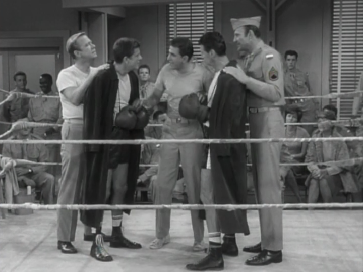 Rob and Boom Boom prepare to begin their boxing match. (Screen capture by Lindsey for TMP)