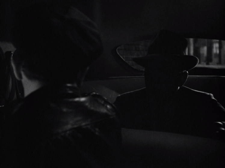 Bogart is a mere silhouette prior to Vincent's surgery. (Screen capture by Lindsey for TMP)