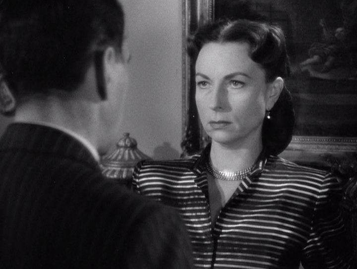 The stare of an angry woman! Vincent confronts Marge. (Screen capture by Lindsey for TMP)