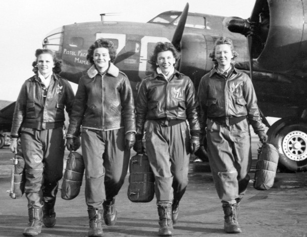 A gang of real WASPs in the 1940s (Image via Military History Now)