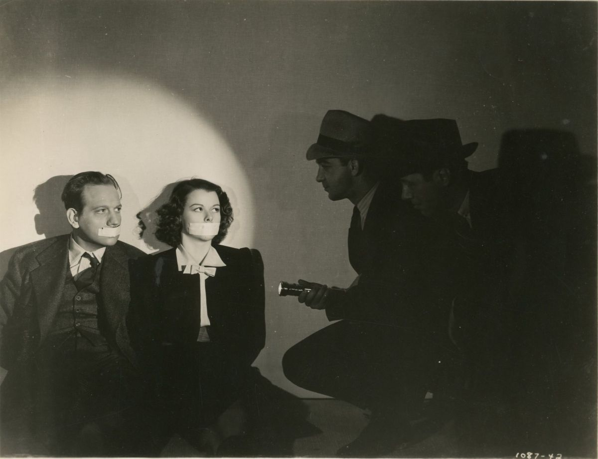 Tell No Tales (1939)